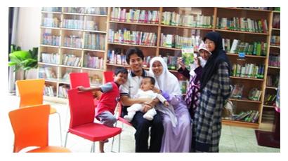 Foto Keluarga Prof. Dr.-Ing. H. Fahmi Amhar